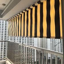 Vì sao nên chọn rèm cuốn ban công mưa nắng 0975765295